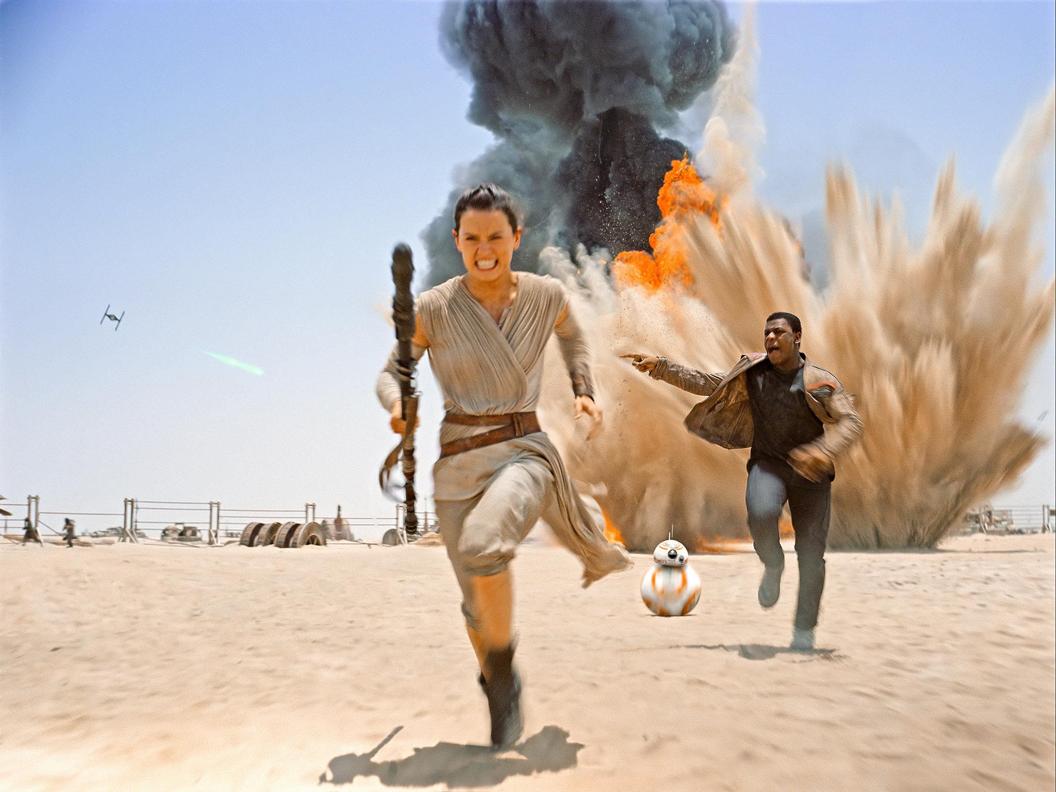 Rey-Finn-running-