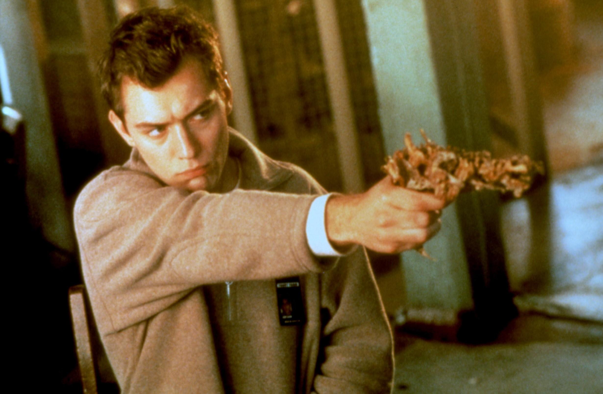 EXISTENZ, Jude Law, 1999